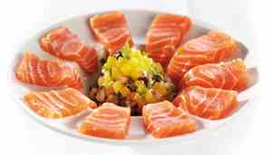 Salmon ceviche with fruits